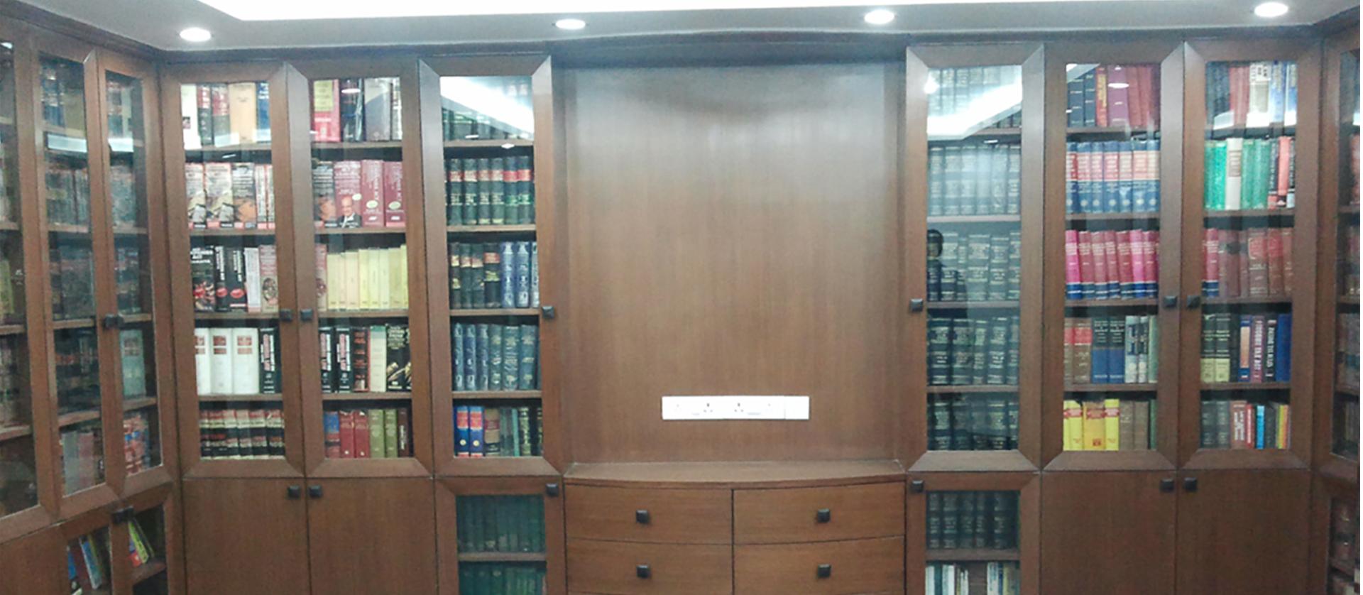 Arbitrator's Office & Residence: Delhi